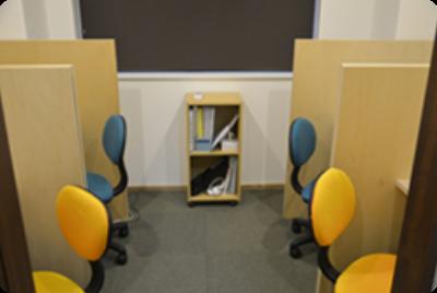 日建学院茂原校では、4席の専用個別ブースを完備しています。